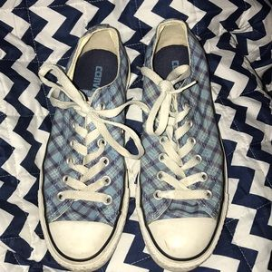 Cute Plaid Converse Shoes!  💙🌻